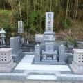 竹内家様:津山型1尺角布団四重台・戒名柱(代々墓)巻石工事