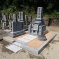 有元家様:津山型1尺角布団四重台・戒名柱(代々墓)巻石工事