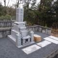 今岡家様:津山型8寸角布団四重台【青木石】代々墓